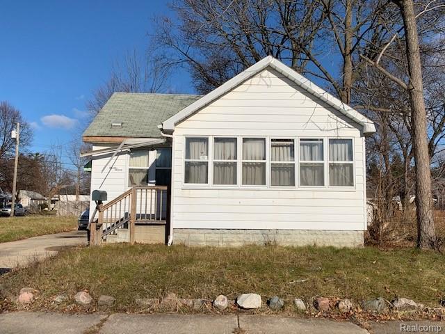 97 E Strathmore Avenue, Pontiac, MI 48340 (#219017442) :: Team Sanford