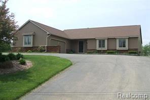 6705 Hogback Lake Road, Springfield Twp, MI 48350 (#219018121) :: RE/MAX Classic