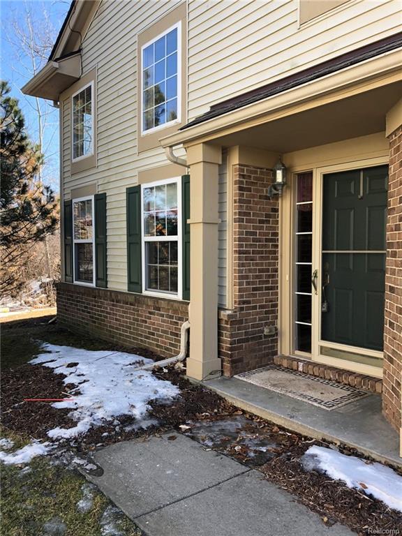 182 S Vista, Auburn Hills, MI 48326 (#219020499) :: RE/MAX Classic