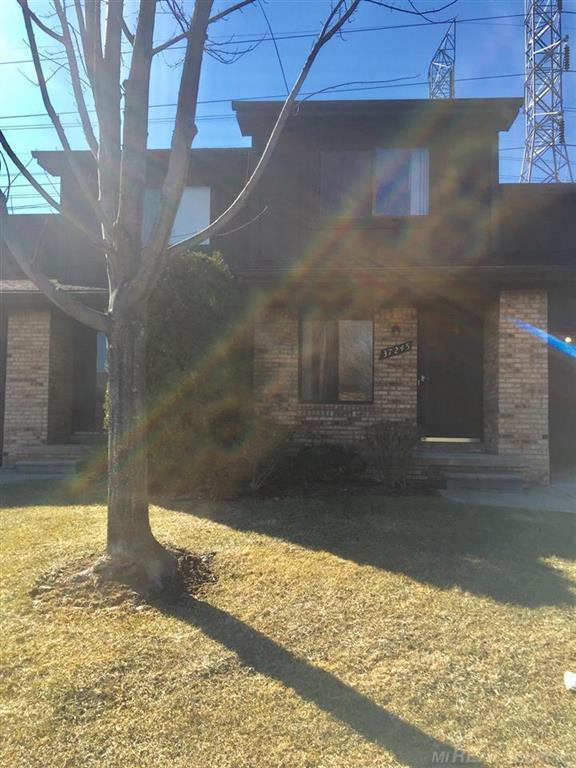 37245 Clubhouse Dr #152, Sterling Heights, MI 48312 (#58031373008) :: RE/MAX Nexus