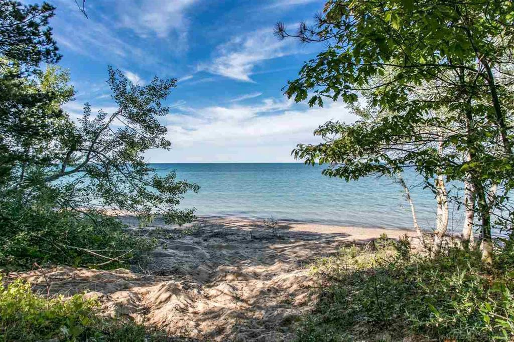 2642 Lakeshore - Photo 1