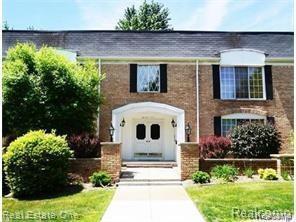 150 E Long Lake Road #14, Bloomfield Hills, MI 48304 (#219021806) :: RE/MAX Classic