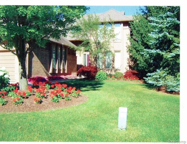 28757 Hidden Trail, Farmington Hills, MI 48331 (#219022421) :: RE/MAX Classic