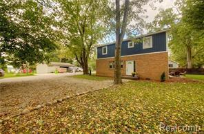 9734 Portage Lake Ave Avenue, Dexter Twp, MI 48169 (#219023002) :: The Buckley Jolley Real Estate Team