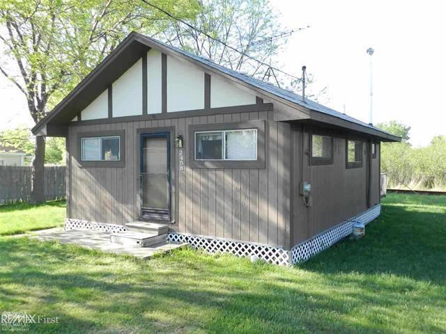 2458 Cottage, Clay Twp, MI 48028 (#58031374383) :: RE/MAX Nexus