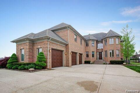 48630 Home Drive, Chesterfield Twp, MI 48047 (#219028543) :: The Mulvihill Group