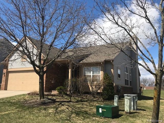 30916 Tanglewood Drive, Novi, MI 48377 (#219031324) :: The Buckley Jolley Real Estate Team