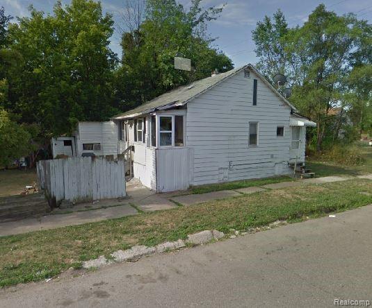 6551 Auburn Street, Detroit, MI 48228 (MLS #219031826) :: The Toth Team