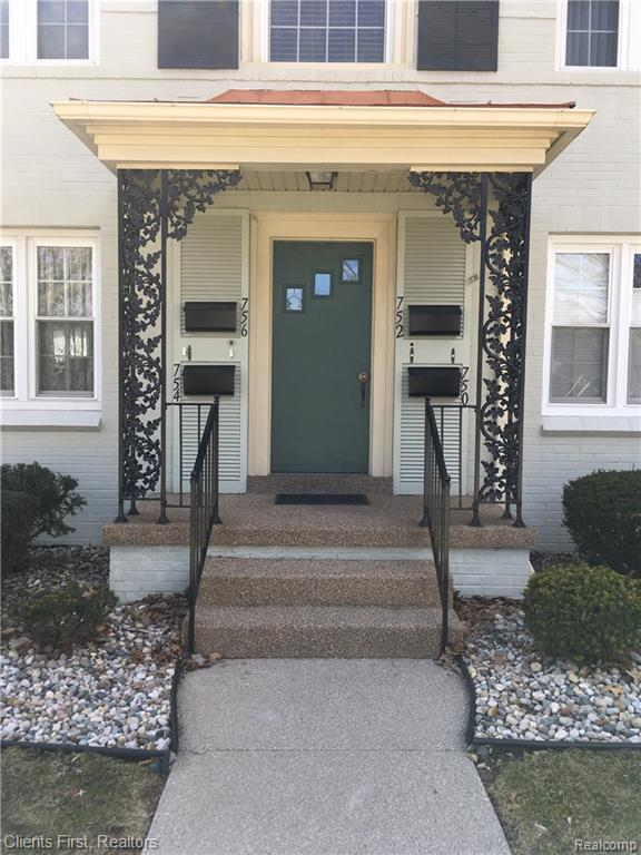 752 S Military Street, Dearborn, MI 48124 (#219032932) :: The Buckley Jolley Real Estate Team