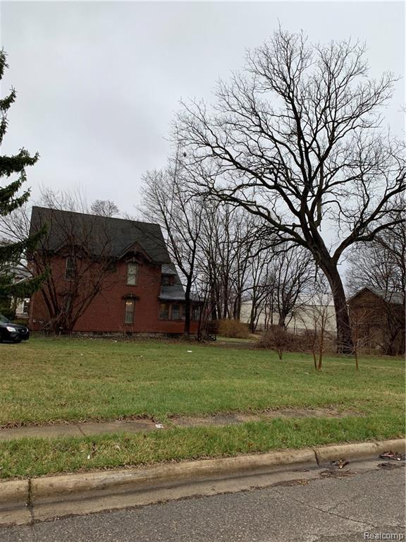 40 Clark Street, Pontiac, MI 48342 (#219033068) :: The Buckley Jolley Real Estate Team