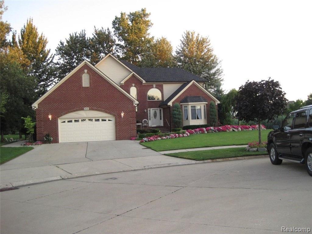 47646 Burlingame Drive - Photo 1