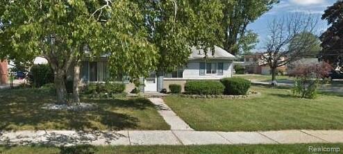 33110 Fraser Avenue, Fraser, MI 48026 (MLS #219039686) :: The Toth Team