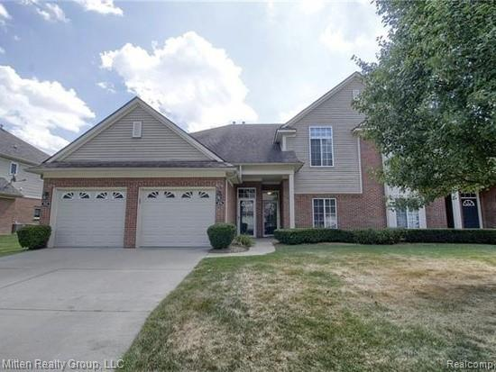 3695 Eagle Creek Drive, Shelby Twp, MI 48317 (#219041694) :: The Alex Nugent Team | Real Estate One