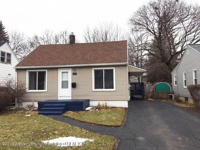 527 E Cavanaugh Road, Lansing, MI 48910 (#630000236400) :: RE/MAX Nexus