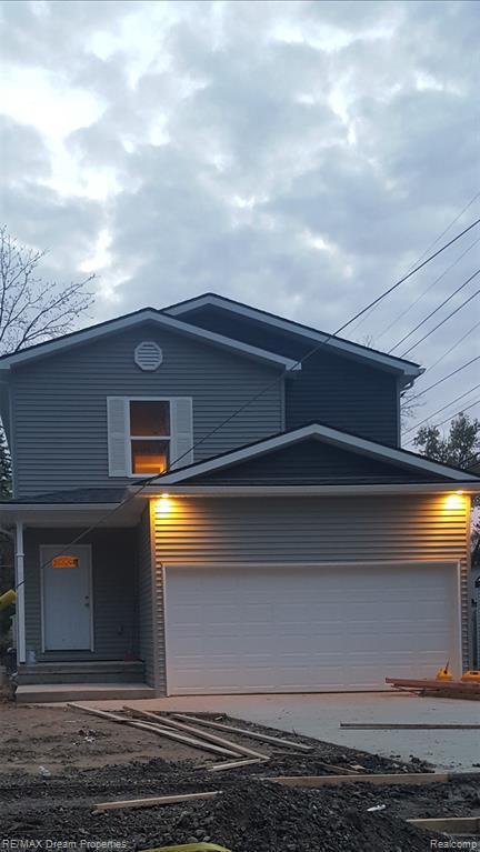 20265 Rensellor, Livonia, MI 48152 (#219044756) :: The Alex Nugent Team | Real Estate One