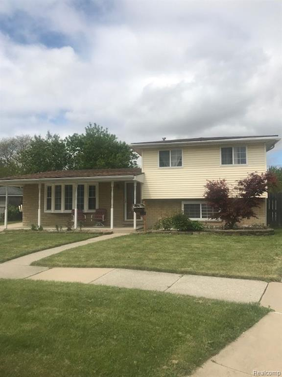 9304 Oak Street, Taylor, MI 48180 (#219046170) :: GK Real Estate Team