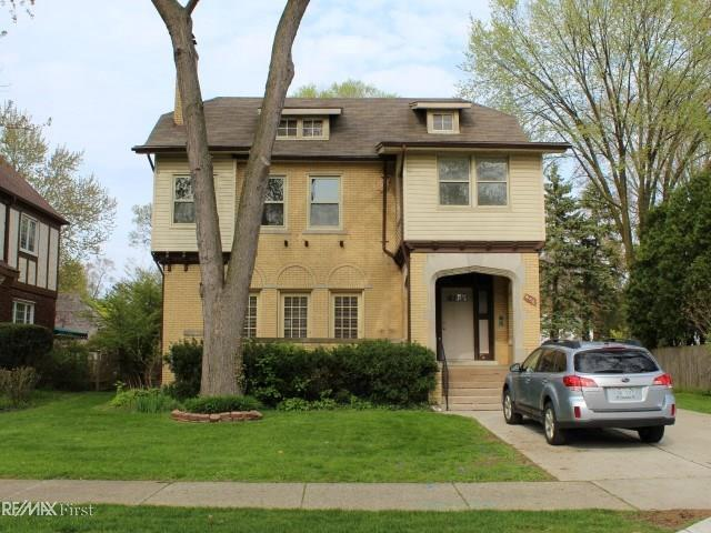456 Neff, Grosse Pointe, MI 48230 (MLS #58031380406) :: The Toth Team