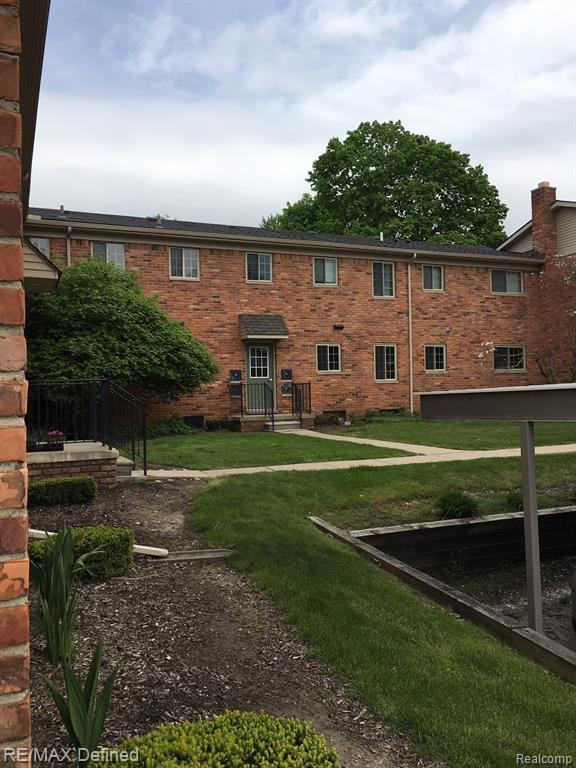 454 Romeo Road #22, Rochester, MI 48307 (#219046483) :: The Alex Nugent Team | Real Estate One