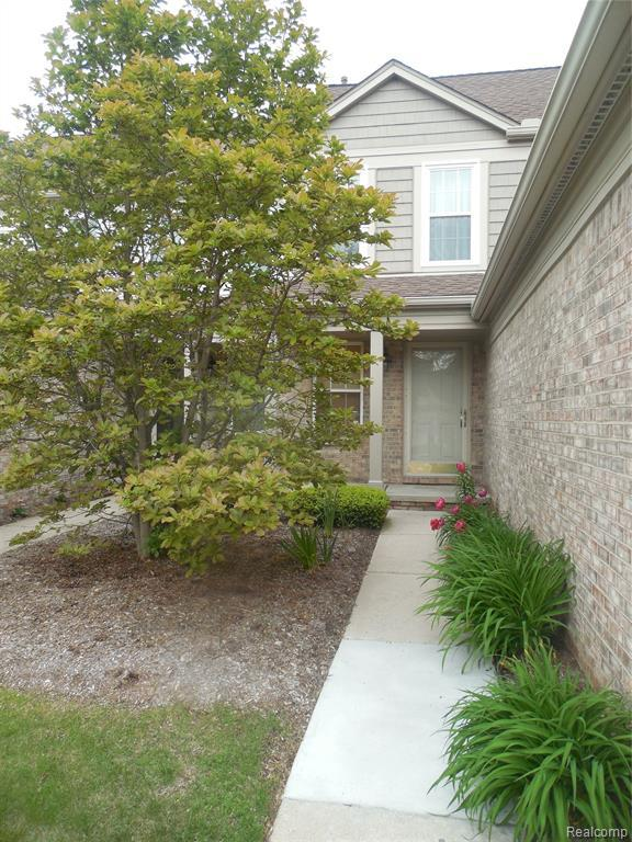 4390 Hunters Circle E, Canton Twp, MI 48188 (MLS #219046731) :: The Toth Team