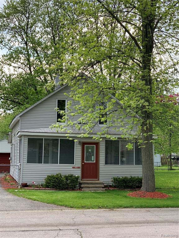 1620 Lillian Street, Westland, MI 48186 (MLS #219046884) :: The Toth Team