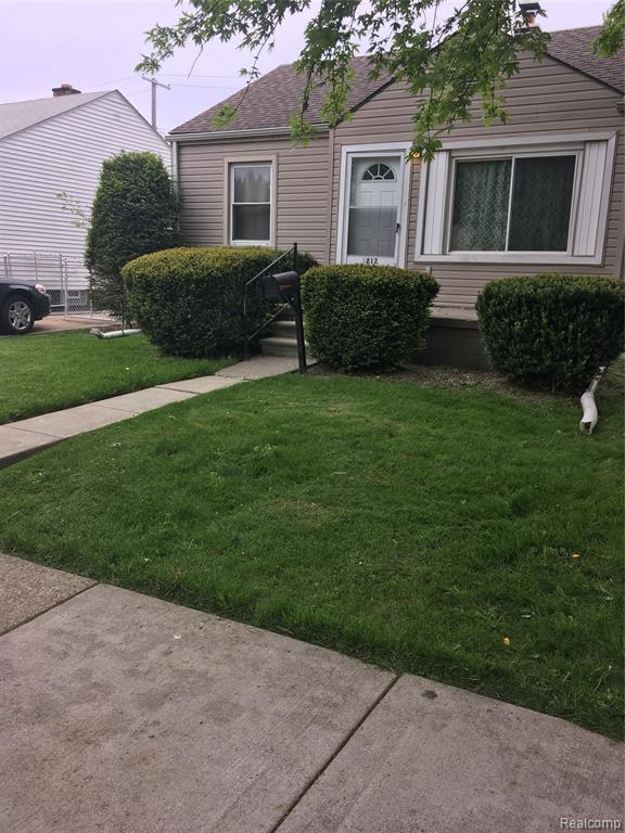 1812 College, Lincoln Park, MI 48146 (#219047171) :: Duneske Real Estate Advisors