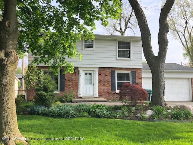 2415 Heights Avenue, Lansing Twp, MI 48912 (#630000236744) :: GK Real Estate Team