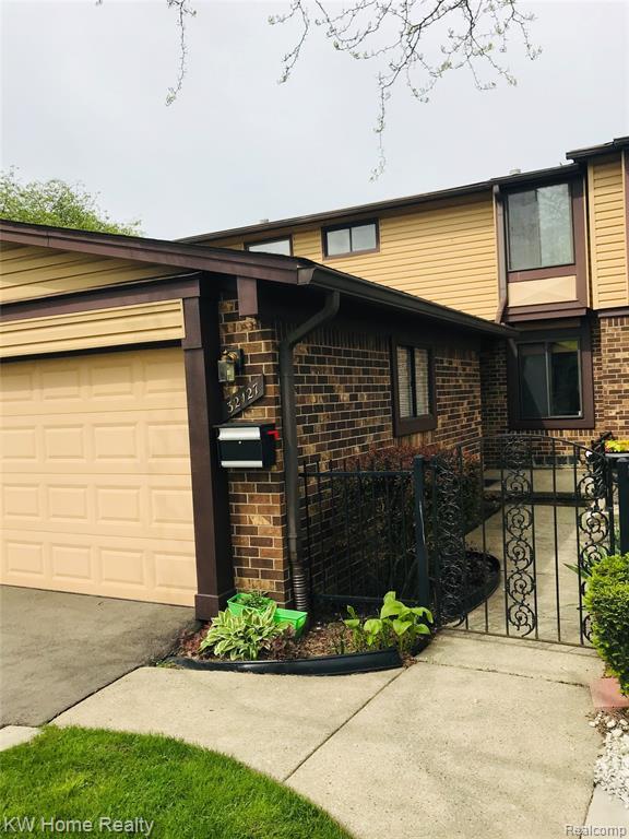 32127 W 12 MILE Road, Farmington Hills, MI 48334 (#219047821) :: The Buckley Jolley Real Estate Team