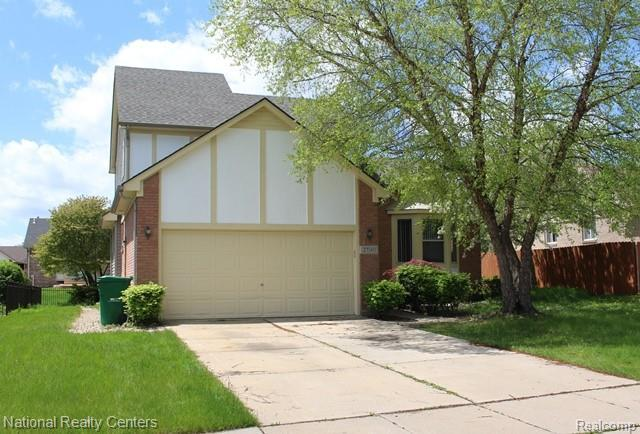 27140 Robin Drive, Chesterfield Twp, MI 48051 (MLS #219048915) :: The Toth Team