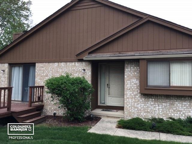 16515 Dawn Dr Bldg. #17, Unit, Clinton Twp, MI 48038 (MLS #58031381165) :: The Toth Team