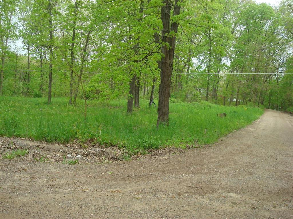 7860 Wildwood Rd - Photo 1