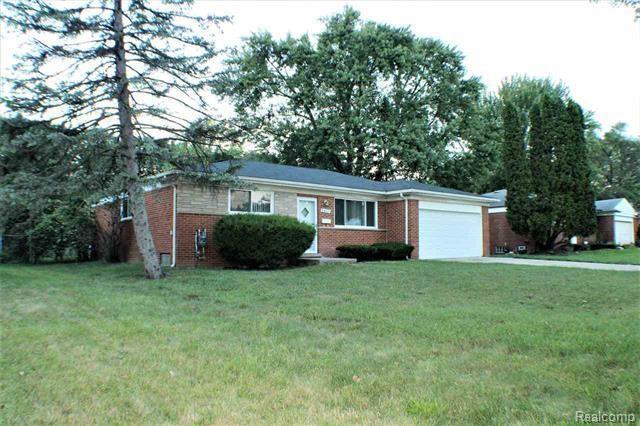 28141 Tapert, Southfield, MI 48076 (#219051628) :: The Alex Nugent Team | Real Estate One