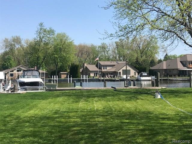 30531 Manse Street, Harrison Twp, MI 48045 (#219052723) :: The Buckley Jolley Real Estate Team