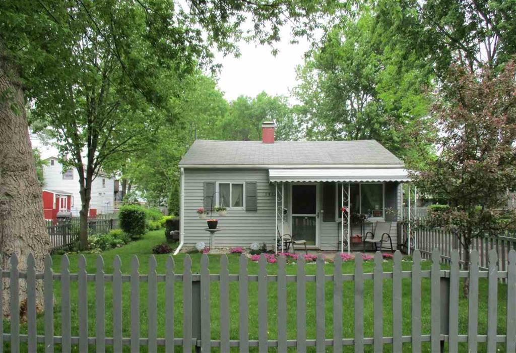 1413 Scottwood Ave - Photo 1