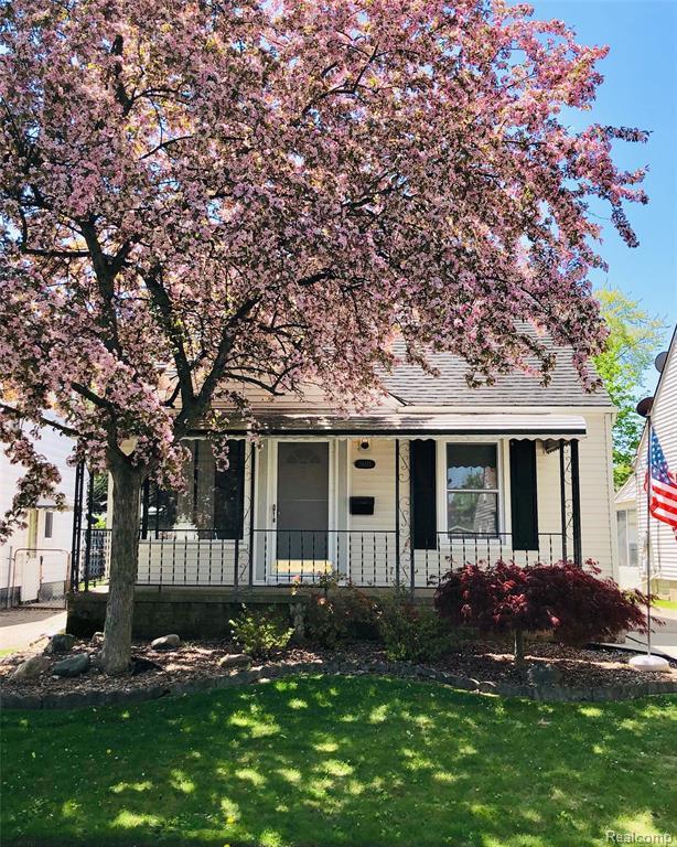 24415 New York Street, Dearborn, MI 48124 (#219056724) :: Team Sanford