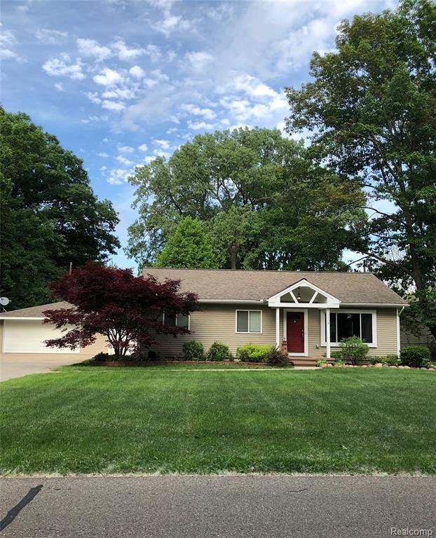 14558 Bainbridge Street, Livonia, MI 48154 (#219057202) :: The Alex Nugent Team | Real Estate One