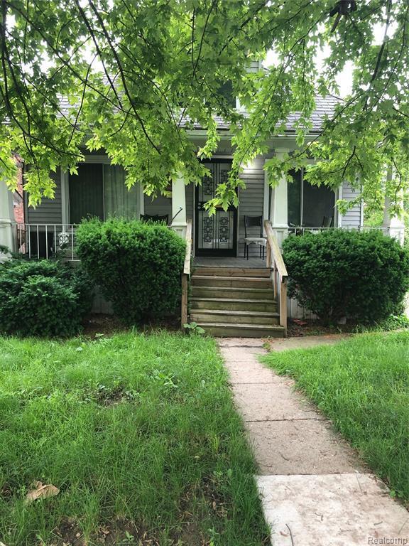 6906 Saint Marys Street, Detroit, MI 48228 (#219058972) :: Duneske Real Estate Advisors