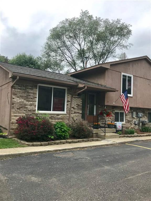 310 Oakwood #3, Ortonville, MI 48462 (#5031384232) :: RE/MAX Nexus