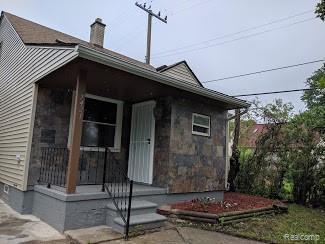 7421 Auburn Street, Detroit, MI 48228 (#219059784) :: Duneske Real Estate Advisors
