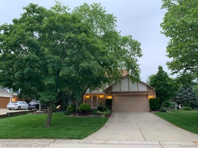 44820 Ford Way Drive, Novi, MI 48375 (#219060420) :: Team Sanford