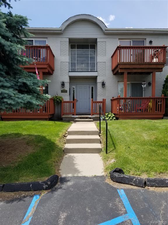 1762 Fort Street, Trenton, MI 48183 (#219062866) :: The Buckley Jolley Real Estate Team