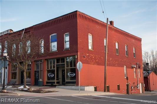 100 E Main Street, Vernon Vlg, MI 48476 (#219064208) :: Team Sanford