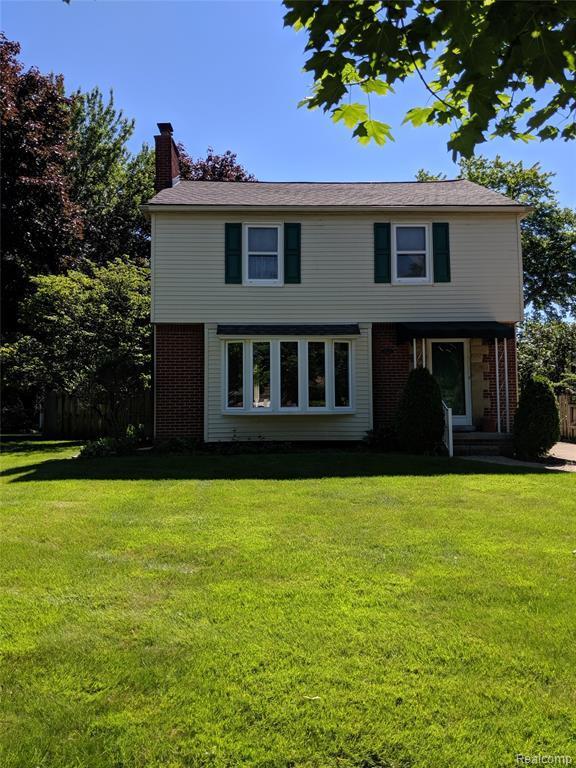1820 N Vermont Avenue, Royal Oak, MI 48073 (MLS #219065132) :: The Toth Team