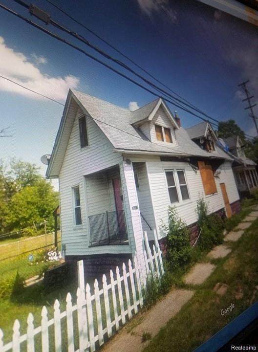 8815 E Canfield Street, Detroit, MI 48214 (#219065689) :: The Buckley Jolley Real Estate Team