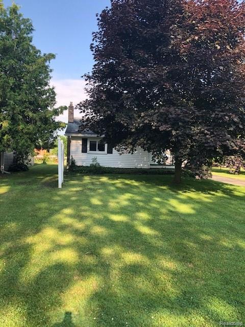 7169 2nd Street, Burtchville Twp, MI 48059 (#219066564) :: The Buckley Jolley Real Estate Team