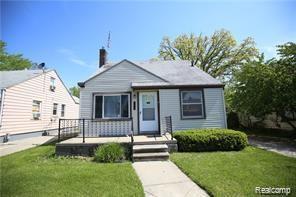 19757 Kingsville Street, Harper Woods, MI 48225 (#219067137) :: The Buckley Jolley Real Estate Team