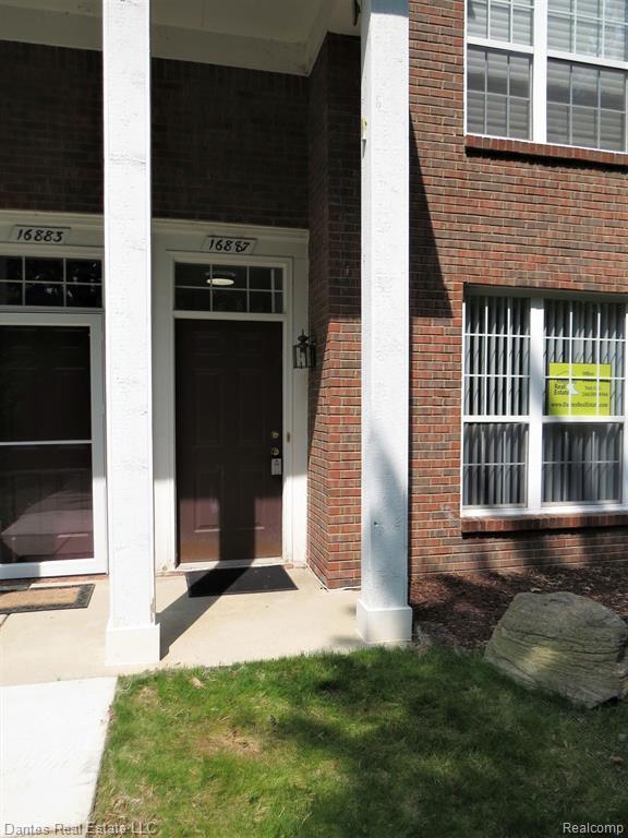 16887 Dover Drive, Northville Twp, MI 48168 (#219068412) :: GK Real Estate Team