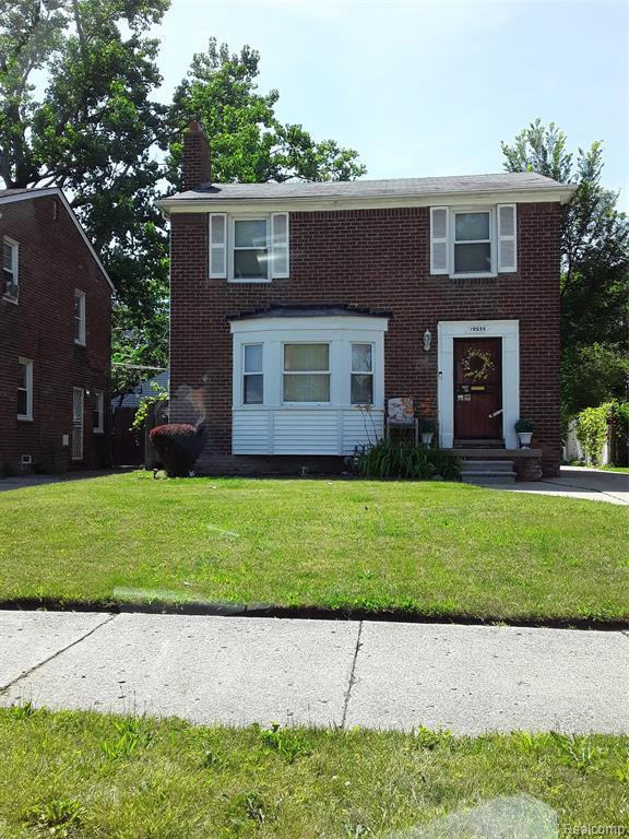 19335 Hartwell Street, Detroit, MI 48235 (#219068641) :: The Buckley Jolley Real Estate Team