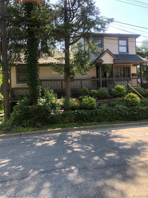 214 Oak Street, Rochester, MI 48307 (#219068906) :: The Alex Nugent Team | Real Estate One