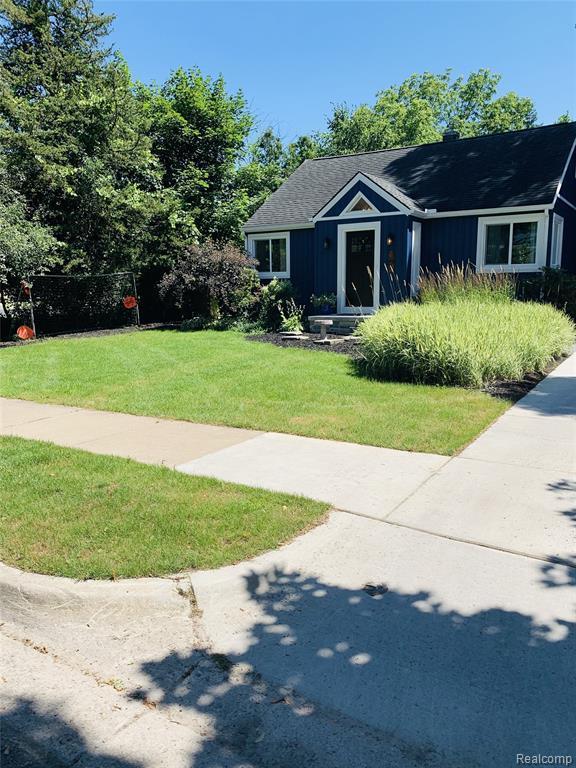 2114 Camelot Road, Ann Arbor, MI 48104 (#219069602) :: The Buckley Jolley Real Estate Team