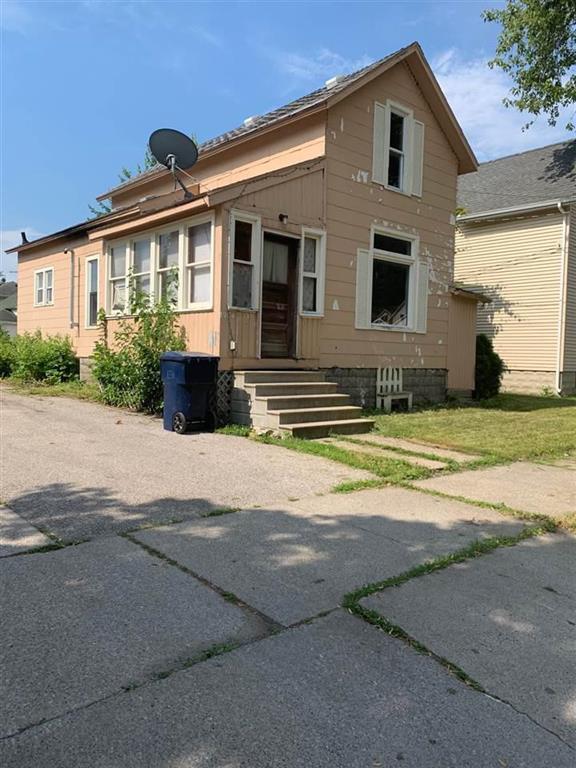 1904 Third St, Bay City, MI 48708 (#5031387345) :: Springview Realty